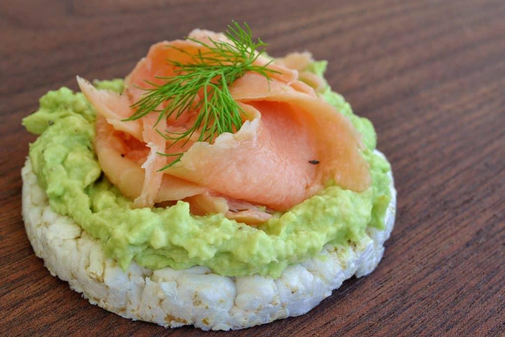 salmon and avocado rice cake toppings